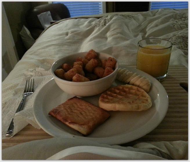Breakfast in Bed www.jilliandanielle.wordpress.com